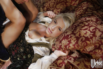 Fairy-haired pornstar Anikka Albrite is showing her magnificent gazoo