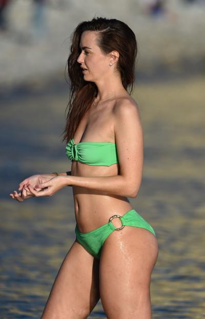Jennifer metcalfe scratching her round anus in new bikini