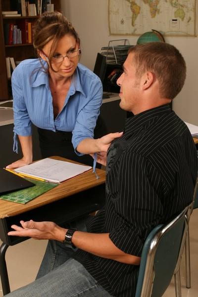 Nerdy milf school tutor digs a guy student