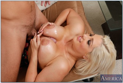 Boobsy dear Dayna Vendetta gains her cage of love licked and slammed hardcore