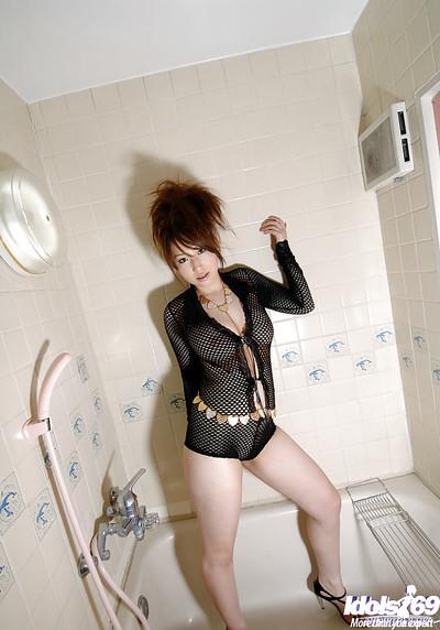 Clammy oriental hotty on high heels Ai Sayama erotic dancing and amplifying her legs