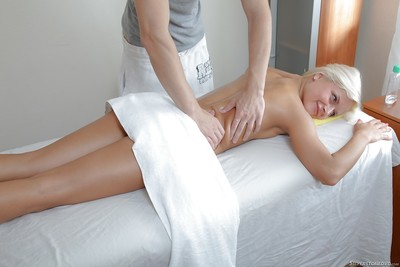 Fairy pornstar Jill B purchases enthusiastic for her number one hardcore massage