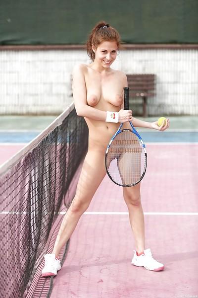 Appealing Euro princess Antonia Sainz finger smoking twat on tennis court
