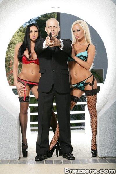 MILF pornstars Lichelle Marie and Audrey Bitoni undress for groupsex