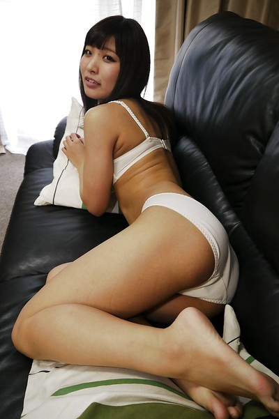Eastern cutie with virginal face Ayame Yashiro is urtication and playing