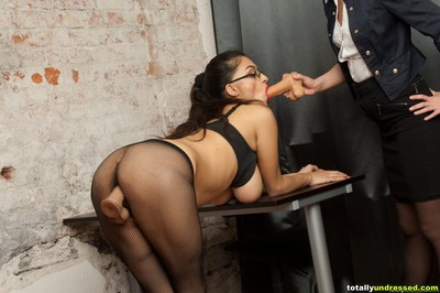 Green office fucking bottom for their lusty boss