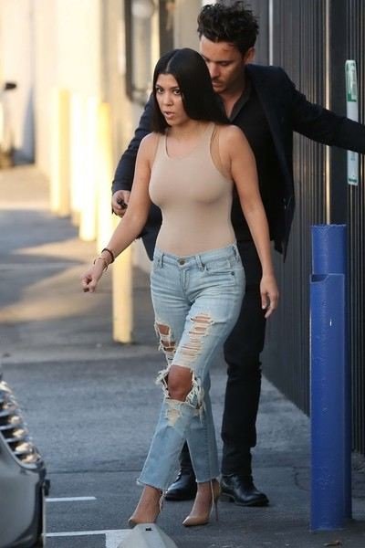 Kourtney kardashian seethru showing wobblers and teats