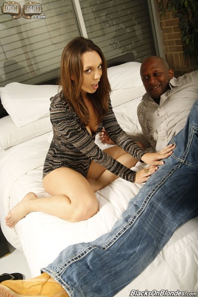 Jade nile receives pounded heavy