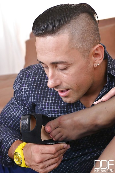 Foot infatuation scene features amateur cowgirl with wish legs Taylor Sands