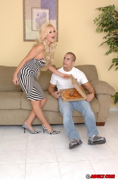 Slutty MILF Brittany Andrews has some hardcore enjoyment with a hung pizza-guy