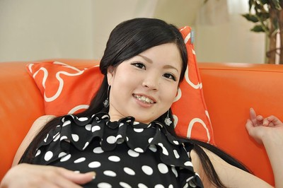 Chinese young Mana Kikuchi winning off her strings and playing with her dildos