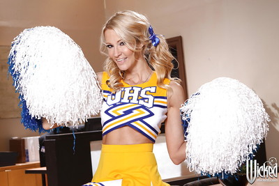 Wooing cheerleader Jessica Drake discloses her mounds and uterus