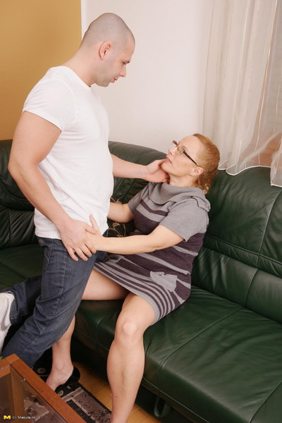 Bawdy housewife getting down and nasty with her aficionado