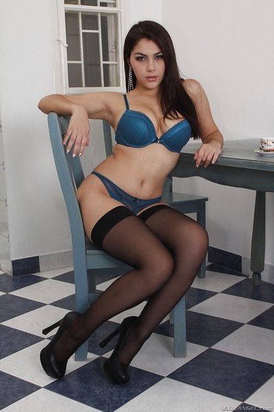 Nonstandard queen in nylons Valentina Nappi slipping off her sexy pants