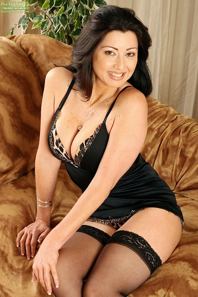 Perspired brunette hair lady Priscilla flashing trimmed upskirt bawdy cleft