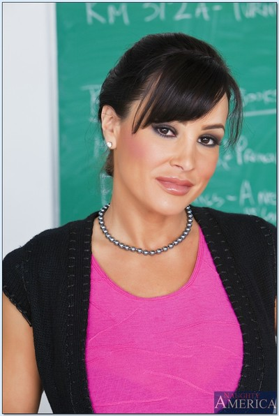 Clammy educator Lisa Ann brings out her MILF billibongs and posing in