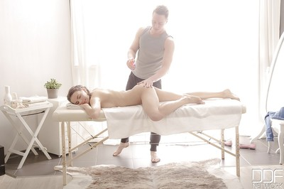 Aching massage boi screws terrifically hawt European babe named Latoya