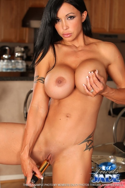 Jewels Jade attracted to showing off her damp hunky body in this wild photo set.