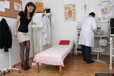 Obsession dark hair Belle swelling her alluring slim slit at the gyno doc