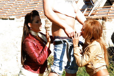 Concupiscent ladies Eliss Fire & Valentina Ross enjoys soggy FFM groupsex outdoor