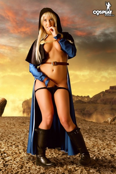 Cosplayerotica  goeniko the master of fighters in nature