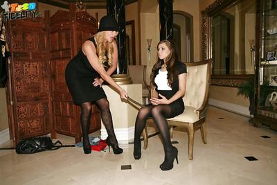 Tiffany Star enjoys a MMF in her hawt swarthy pipe