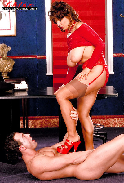 Delightsome MILF in nylons Chloe Vevrier seduces a gentleman in the office