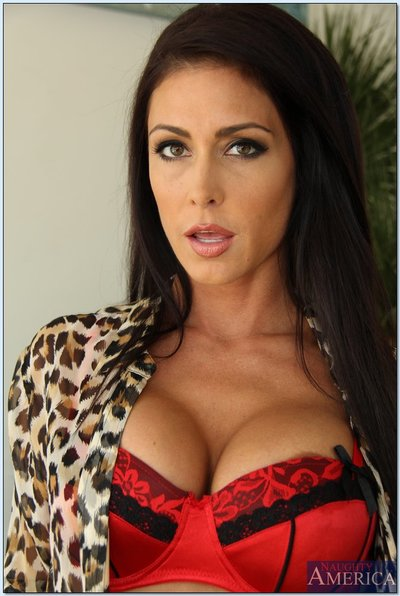 Exquisite hottie Jessica Jaymes striptease and teasing her permeated love-cage