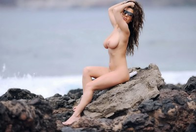 Chantelle connelly tanning her perspired stripped body