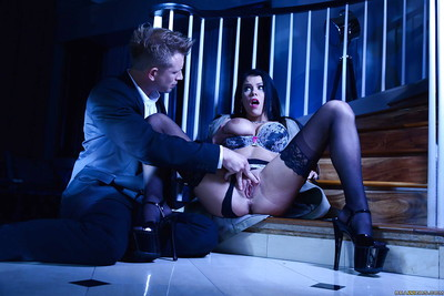 Pornstar Peta Jensen takes anal fingering and vulgar face smoking