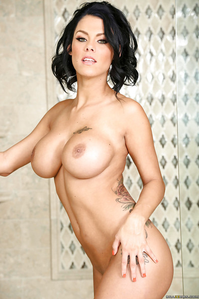 Sticky Lalin girl pornstar Peta Jensen posing sticky body in swarthy underware
