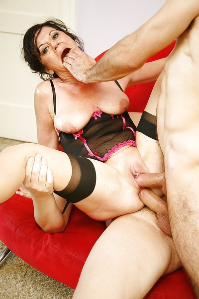 Cock-starving aged in  De Bella has some 2 bonked pleasure