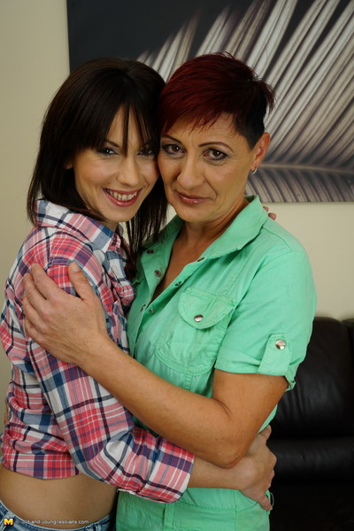 Double dirty old and amateur lesbian babes take part in