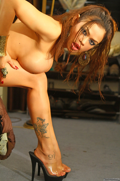 Inimitable actiongirls armie field pics actiongirlscom