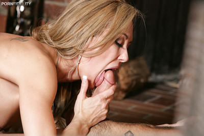 Rimming scene featuring an just right cougar milf Brandi Love