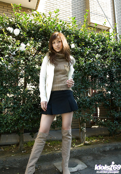 Fascinating Japanese adolescent pretty idly heavenly off all of her clad