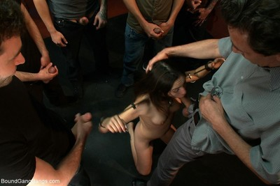Amber attains penetrated by a group of chaps