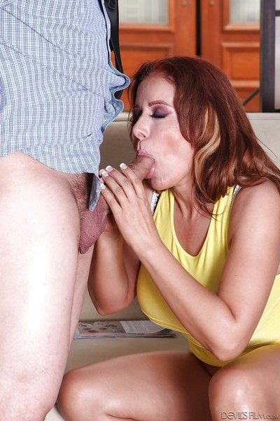Damn good-looking MILF Nicky is an dazzling cunt hammering courtesan