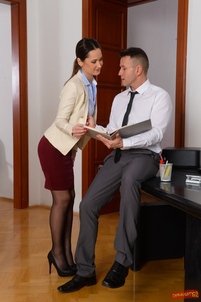 Angie moon accepts twofold dug by dualistic alive knobs in the
