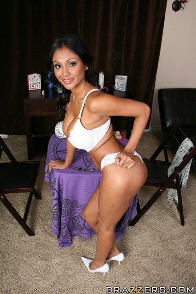 Wild Indian MILF Priya Anjeli Rai is posing bare with her gentile swell
