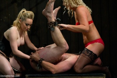 Domme aiden starr and domme ashley edmonds put 3 untried pieces of bottom myself