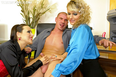 Samantha Jolie & Mea Melone are likes CFNM groupsex in the office
