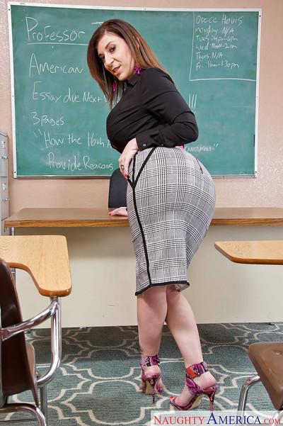 Advisor milf Sara Jay shows off her sexy-looking huge boobies