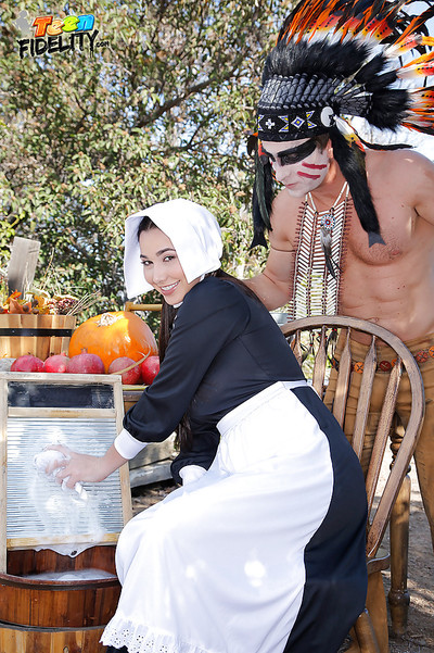 Cosplay exhibit Karlee Grey attains take part in raped outdoors by a savage