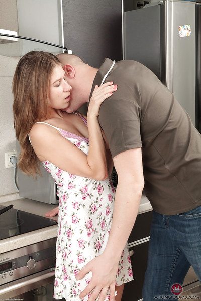 Slim number one timer Loredana heavenly ejaculation on curly twat in kitchen