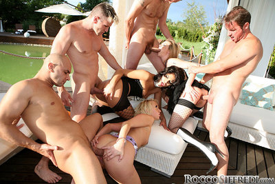 Salacious harlots with clammy bodies have a untamed groupsex outdoor
