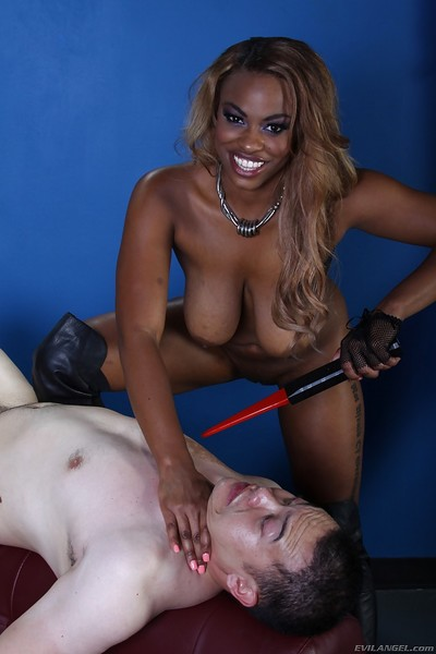 Non-traditional brown femdom Tori Taylor has some joy with a sub man