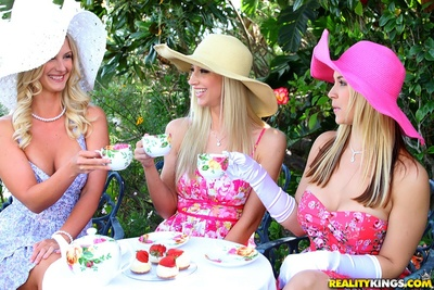 MILF lesbian cuties curve tasteful tea get-together loves a perspired doing