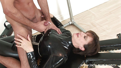 Sexual femdom changes her  whereas enthralling her fellow pet