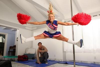 Good golden-haired cheerleader getting bonked